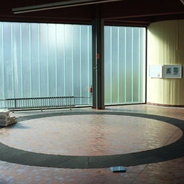 Installation im PENG Autohaus, Mainz, im April 2013